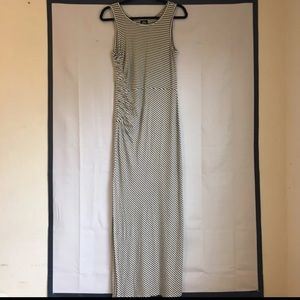 Bobeau Maxi dress Black & White Size PS